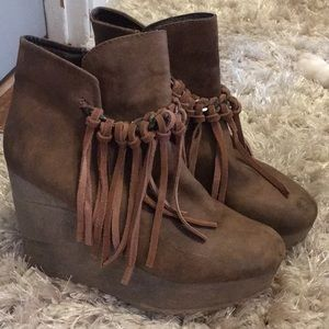 Sbicca leather / fringe booties